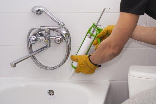 Какой герметик для ванной лучше выбрать