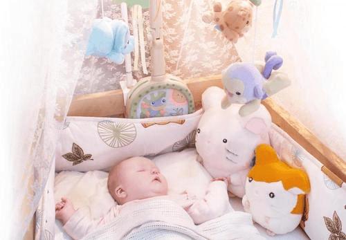 Какое постельное белье лучше подойдет для новорожденных